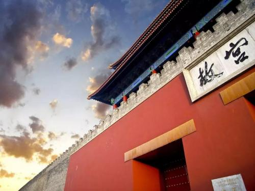 小央美走进故宫博物院国际画展!助力奥博会2022冬奥会庆祝活动~中国儿童画展巅峰荣誉!